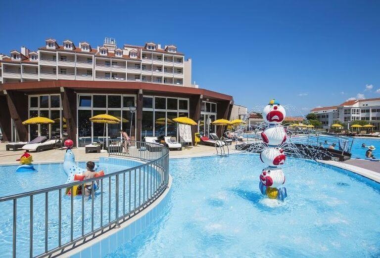Destký bazén hotela Corinthia