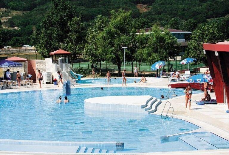 Bazén v hoteli Corinthia