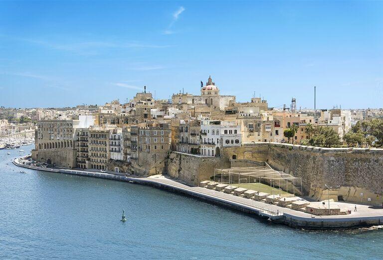 Výletná Loď MSC Bellissima - Západné Stredomorie a Malta - pohľad na mesto a more