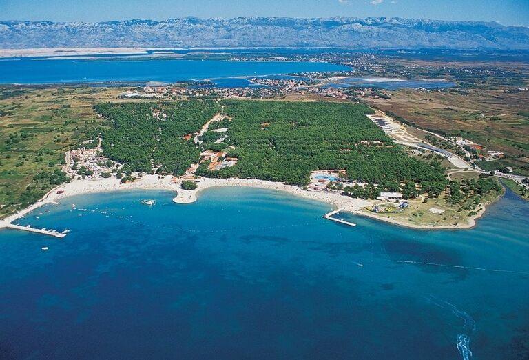Pohľad z výšky komplex apartmánov a štúdií Zaton Holiday Resort 3