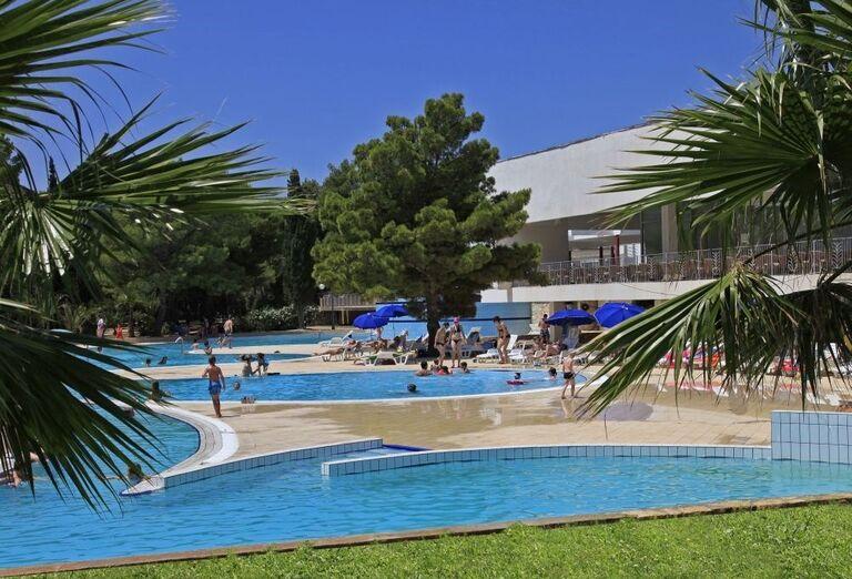 Komplex bazénov v hoteli Amadria Park Ivan