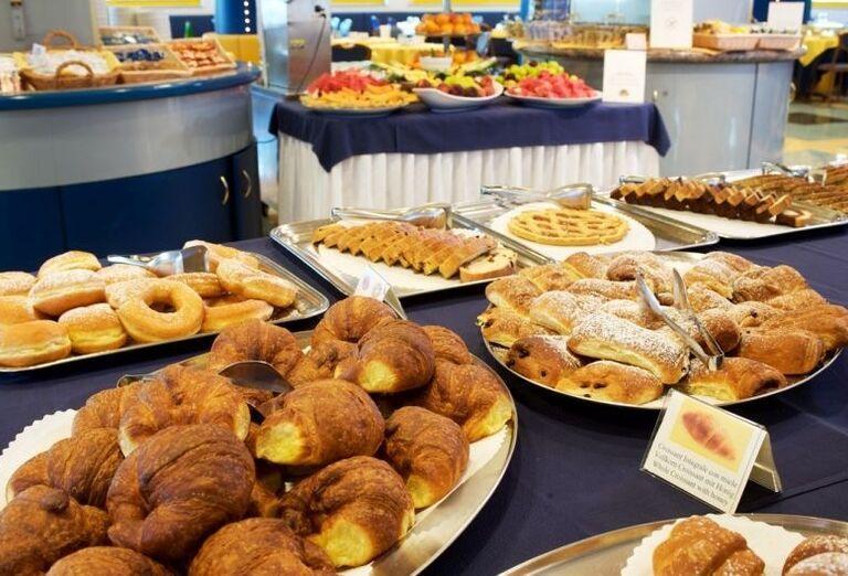 Raňajkové pečivo v hoteli Luna