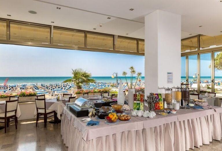 Občerstvenie v hoteli Rivamare