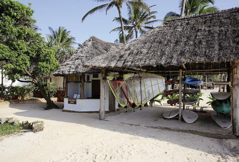Bluebay Beach Resort & Spa -surfy