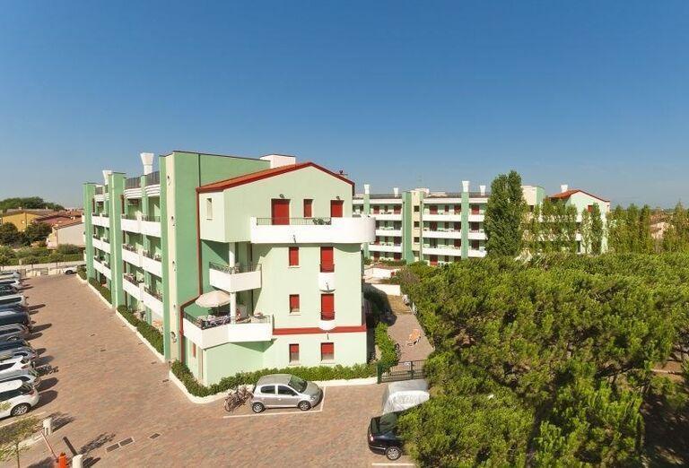 Pohľad na hotel s apartmánmi Rezidencia Roberta