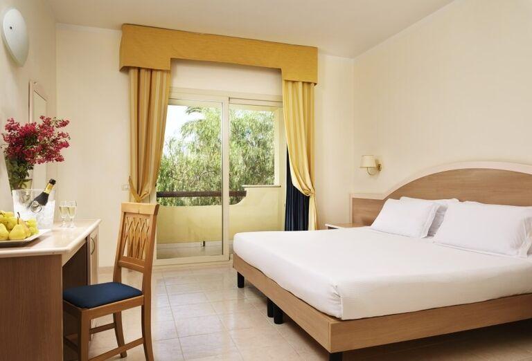 Izba s výhľadom do záhrady hotela Valtur Garden Calabria