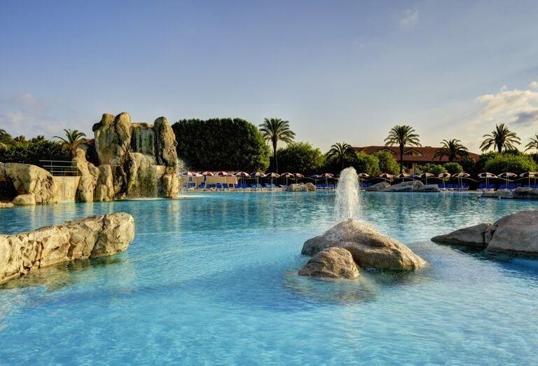 Bazén v hoteli Valtur Garden Calabria