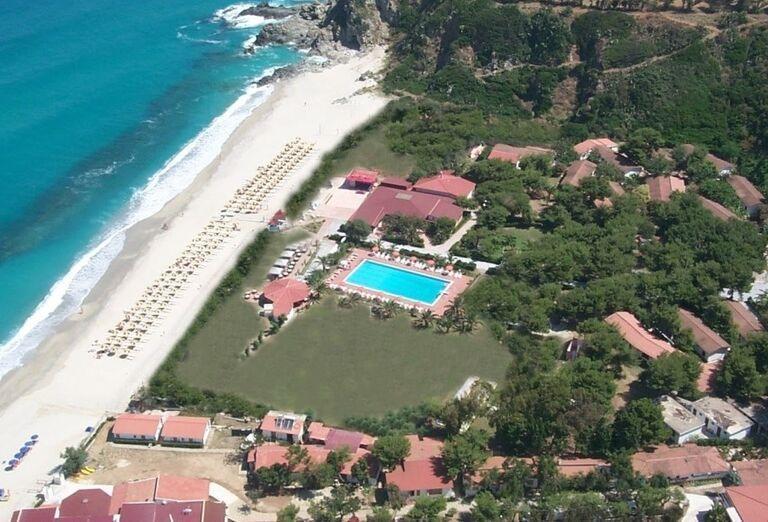 Pohľad zhora na hotel BV Kalafiorita Resort