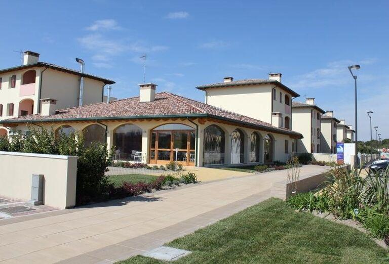 Pohľad na vstup do rezidencie Airone Bianco