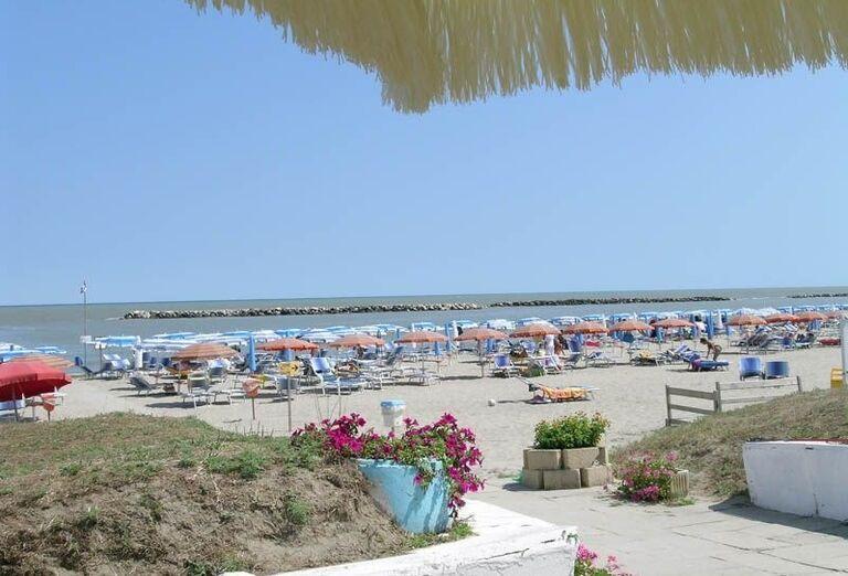 Prístup na pláž pred rezidenciou Airone Bianco