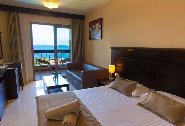 Ubytovanie Hotel Blue Waves Resort ****