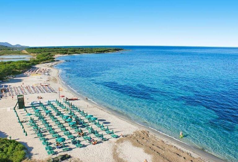 pláž v hoteli Li Cupulatti