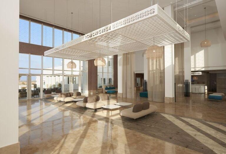 Recepcia v hoteli Melia Beach