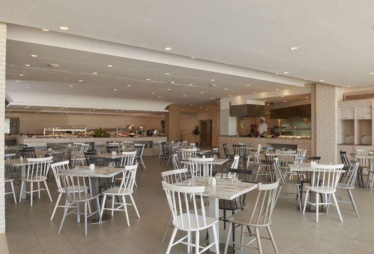 Reštaurácia v hoteli Melia Beach