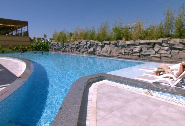 Vonkajší bazén v hoteli Adalya Elite Lara