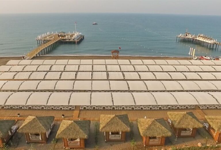 Pláž hotela Adalya Elite Lara