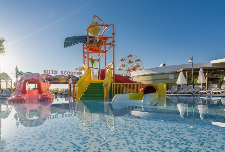 Detský bazén s atraktciami v hoteli Adalya Elite Lara