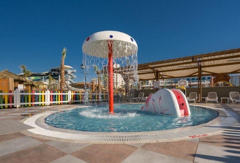 Bazén pre najmenších v hoteli Adalya Elite Lara