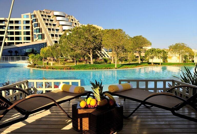 Hotel Susesi Luxury Resort, Belek, terasa v izbe suite