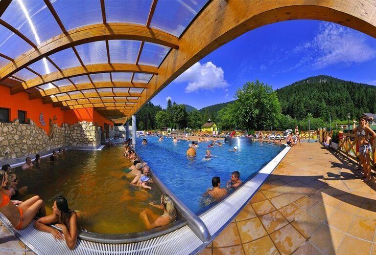 Vonkajší krytý bazén