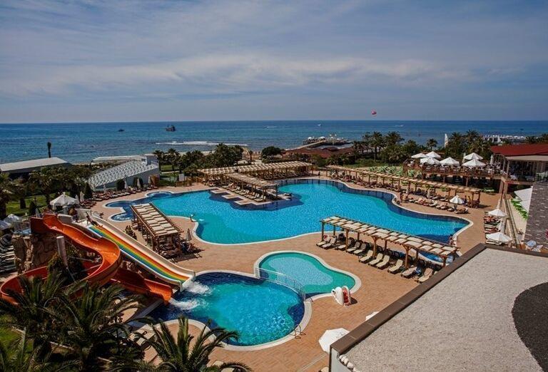 Bazény v hoteli Arcanus