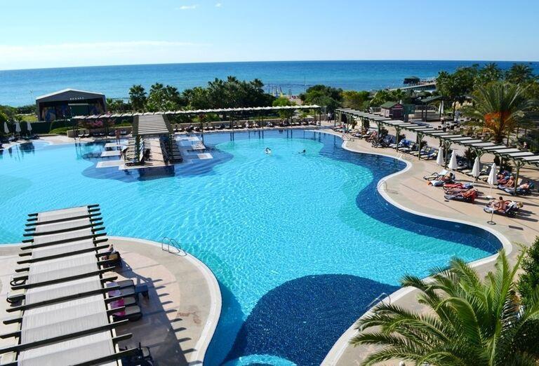 Pohľad na bazén hotela Arcanus