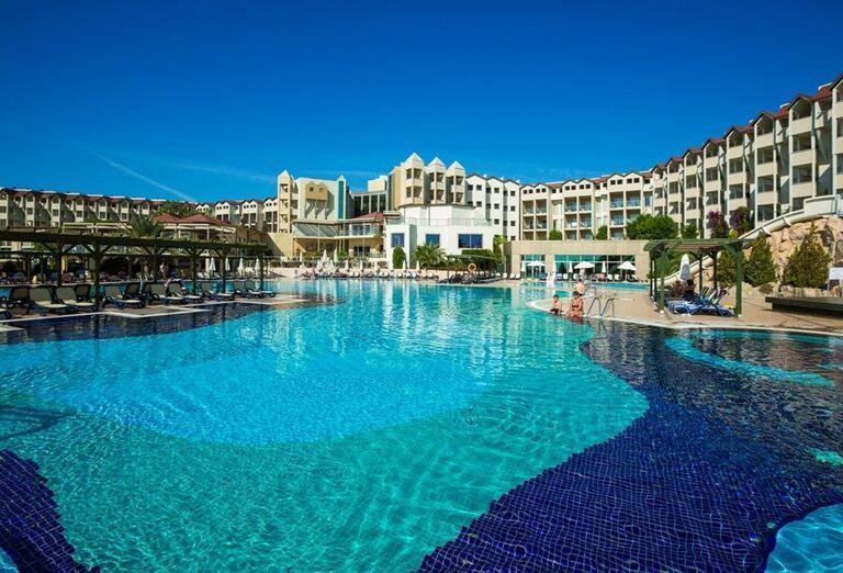 Hotel Arcanus s bazénom