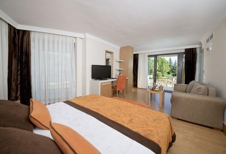 Izba s výhľadom do záhrady hotela Limak Limra