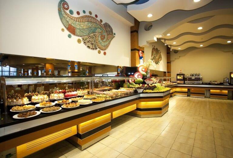 Bohatá ponuka švédskych stolov v hoteli Limak Limra