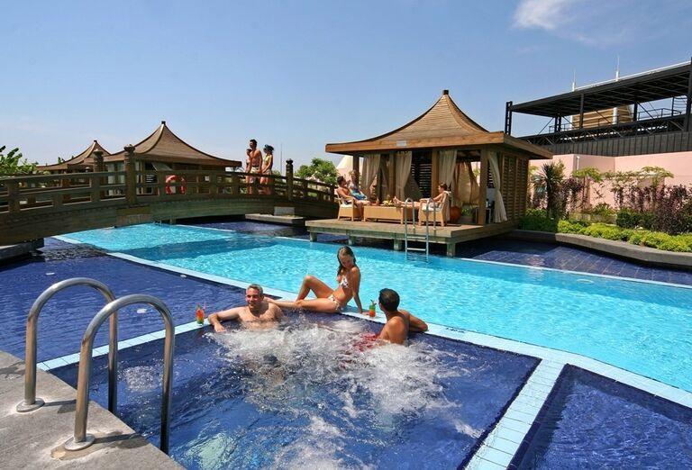 Hotel Limak Lara, Lara, bazén