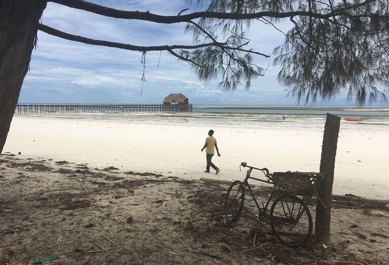 Piesočnatá pláž Zanzibar - poznávanie afrického raja