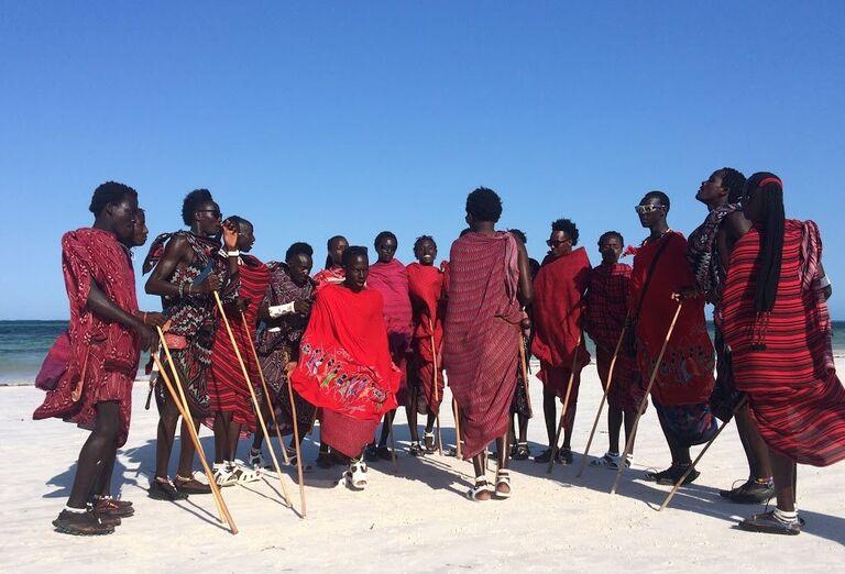 Tanec masajov Zanzibar - poznávanie afrického raja