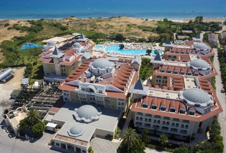 Areál hotela Side Star Resort
