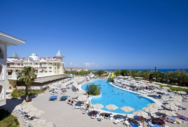Bazén v hoteli Side Star Resort