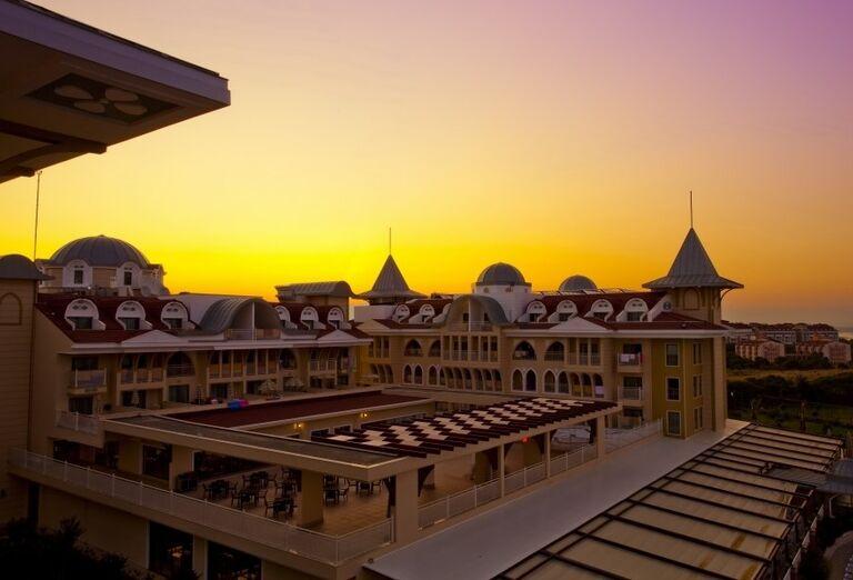 Pohľad na hotel Side Star Resort