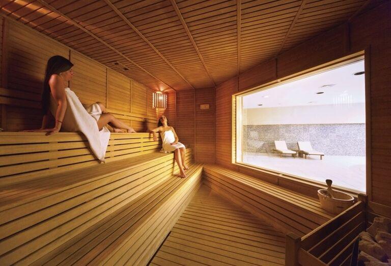Ženy vo fínskej saune