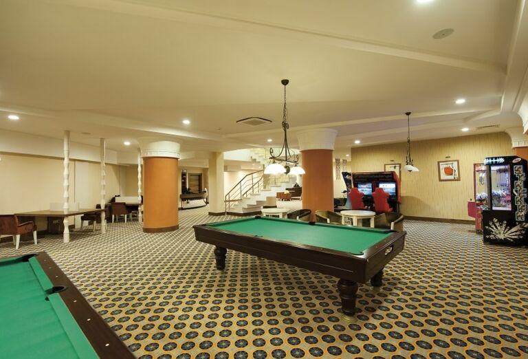 Biliardová miestnosť v hoteli Side Star Resort