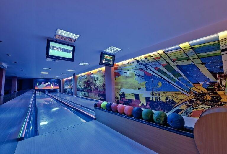 Bowling v hoteli Side Star Resort