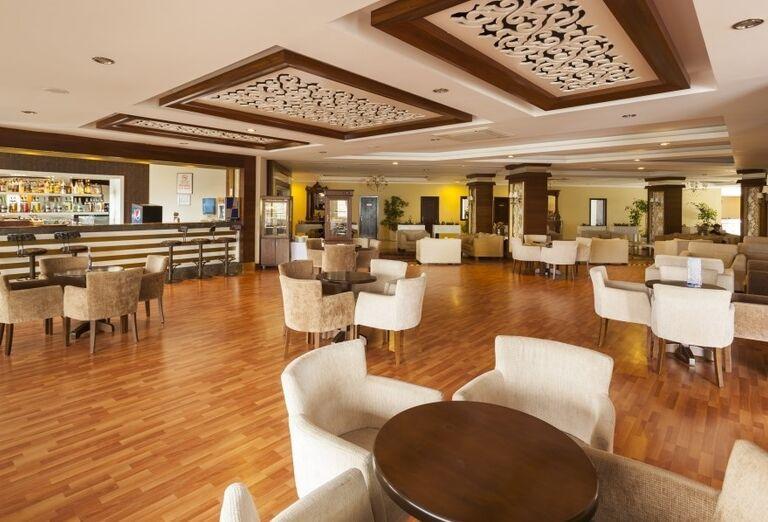 Lobby bar v hoteli Iz Flower