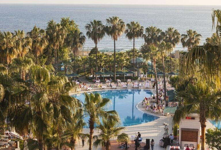 Bazén v hoteli Iz Flower