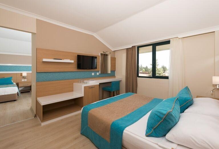 Izba s výhľadom do záhrady hotela Sandy Beach