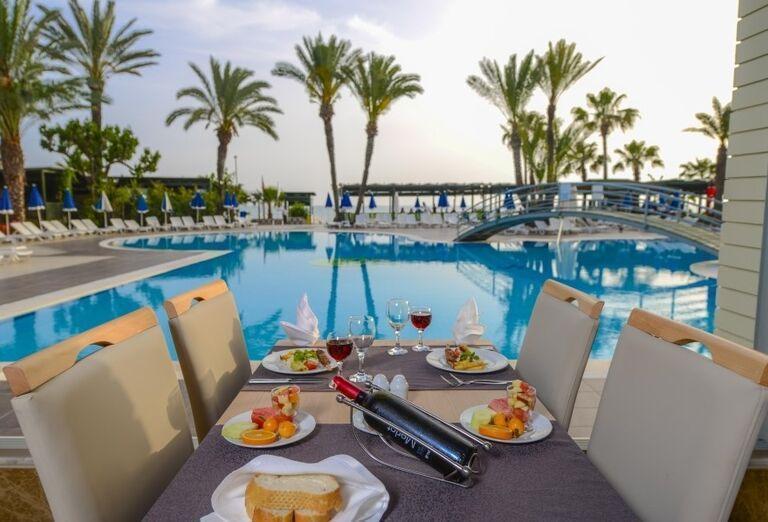 Pohostenie v hoteli Sandy Beach