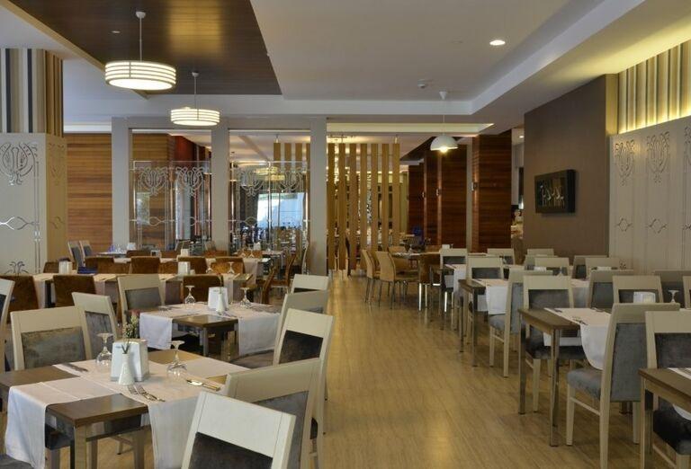 Reštaurácia v hoteli Port Side Resort
