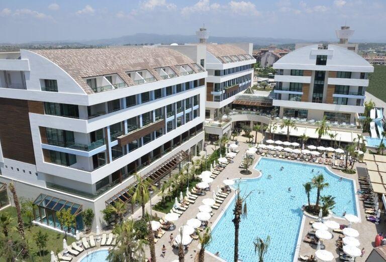 Pohľad na hotel Port Side Resort