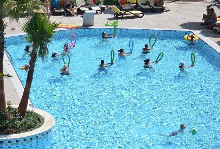 Hotel Port Side, Side, bazén