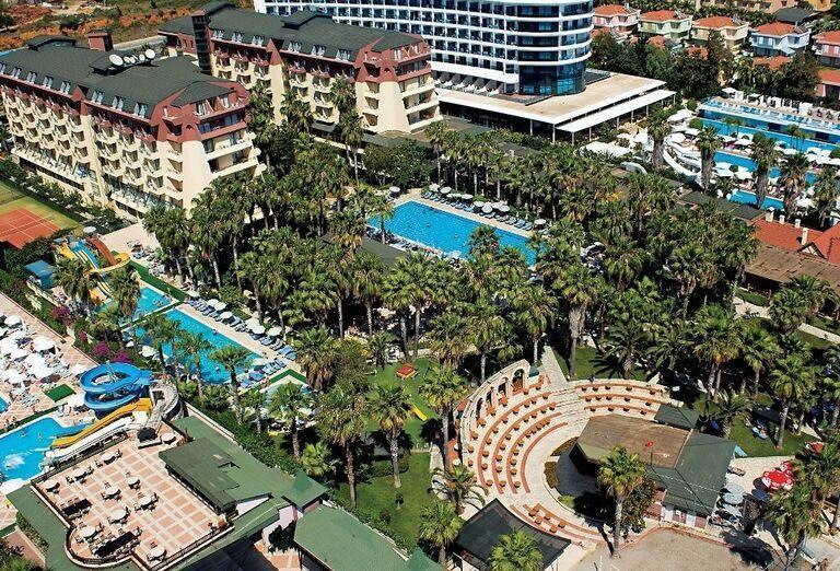Areál hotela Meryan