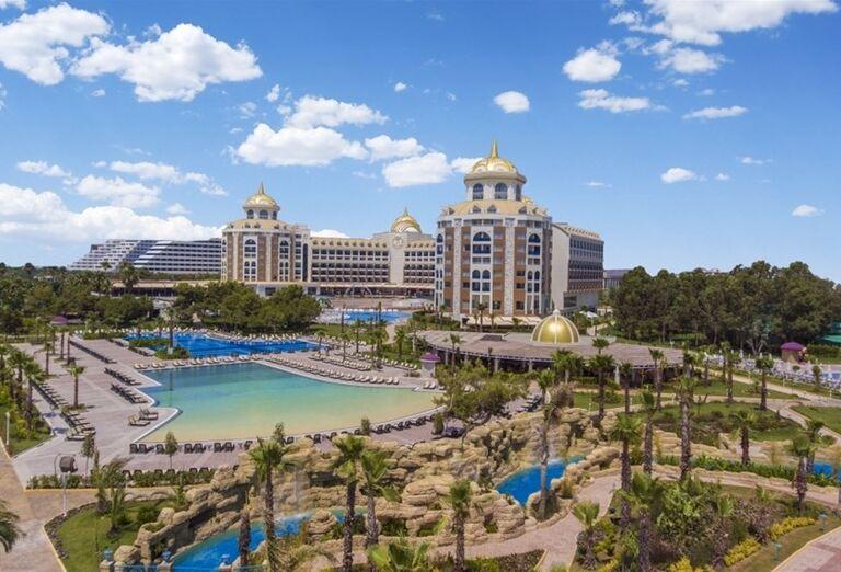 Hotel Delphine Be Grand Resort