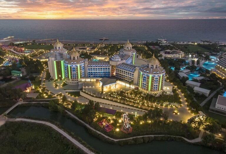 Hotel Delphine Be Grand Resort aj s jeho komplexom