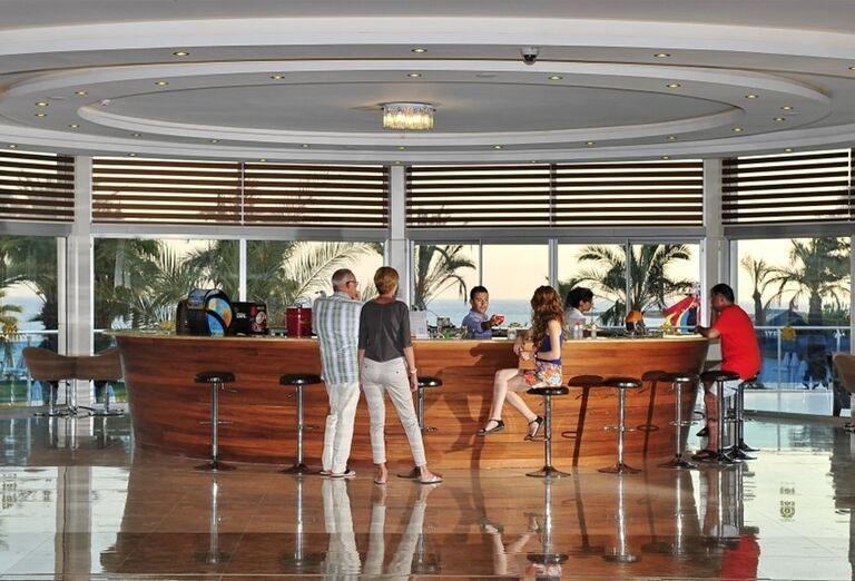 Lobby bar v hoteli Annabella Diamond