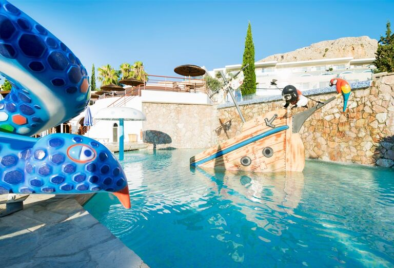 Detský bazén s atrakciami v hoteli Porto Angeli